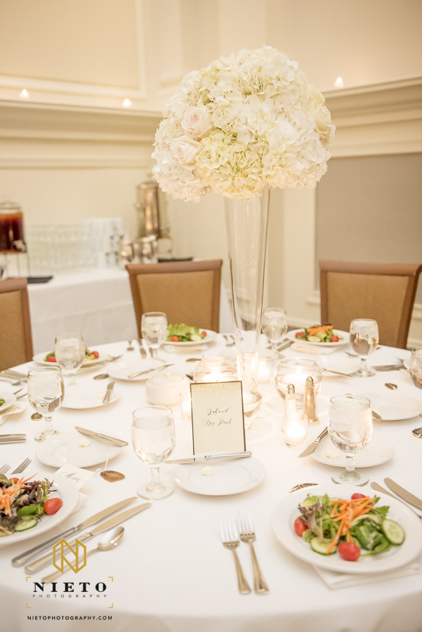 table setting with floral center piece at Park Alumni Center