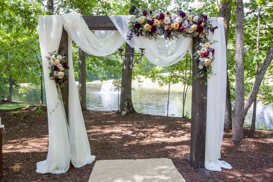 ceremony arbor at chapel in the woods