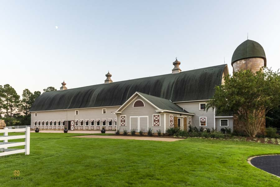 exterior shot of Historic Wakefield Barn in Raleigh NC